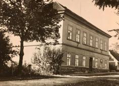 Přílepy bývalá škola
